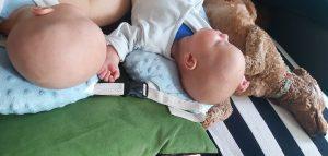 Alle meine 3 Kinder im Fresskoma. Sieht ja eigentlich ganz entspannt aus. Eigentlich.